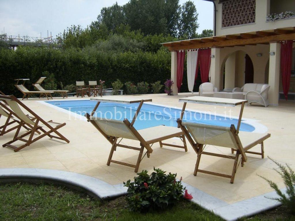 Villa singola con piscina a forte dei marmi immobiliare simoni - Villa dei sogni piscina ...